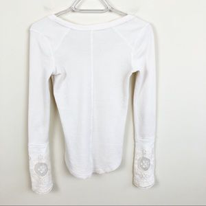 Free People Tops - Free People Lovely Lace White Cuff Thermal
